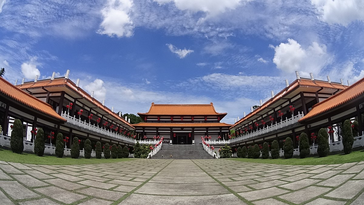 Templo Zu Lai em Cotia SP - Valéria Foz dá dicas de viagem para o templo
